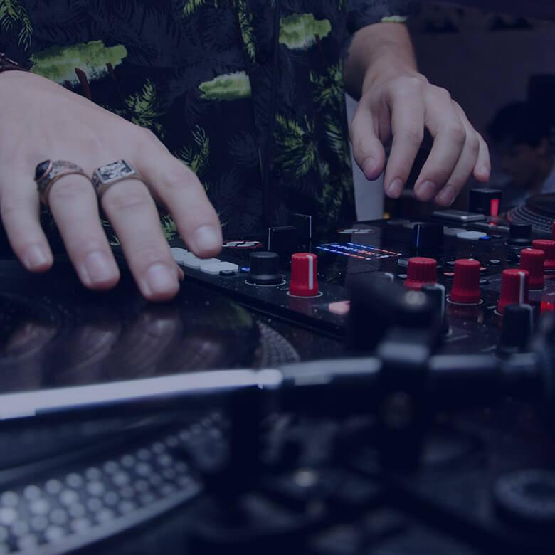 home_music2_artists8